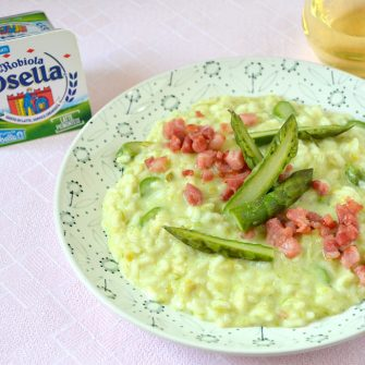 Risotto with cream of asparagus and crispy bacon