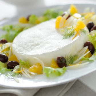 Linea with black olives, oranges and fennel
